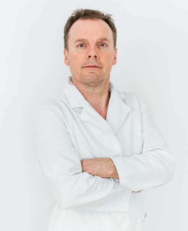 Dr Duško Manić